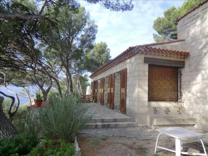 Biens vendre villa cassis 13260 prix 3 725 000 for Acheter maison cassis