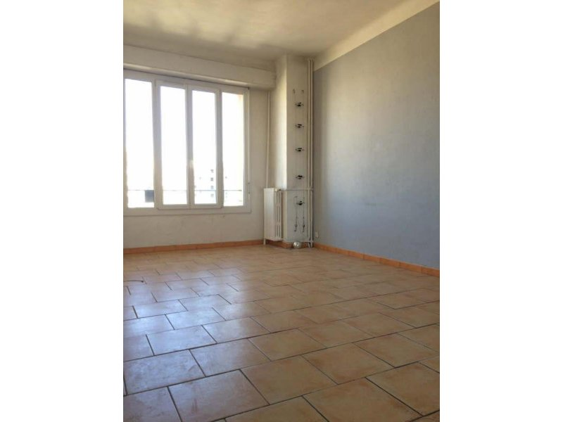 Biens louer appartement marseille 05 13005 prix 650 for Agence immobiliere appartement a louer