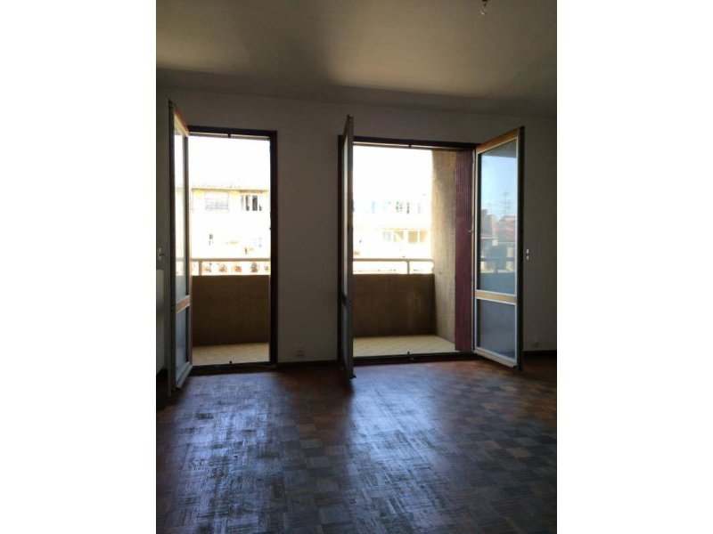Biens louer appartement marseille 06 13006 prix 490 for Louer appartement agence immobiliere