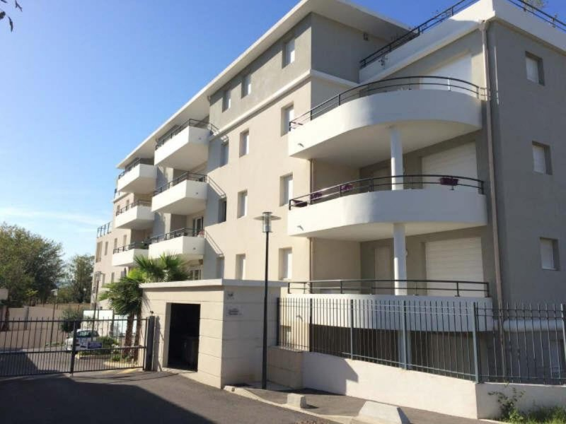 Biens louer t3 timone 13010 prix 830 agence for Louer appartement agence immobiliere
