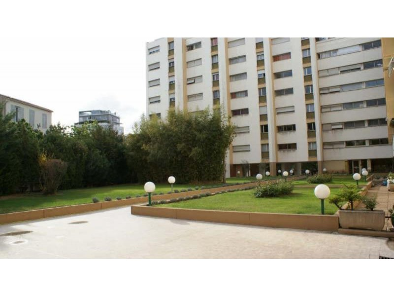 Biens louer studio carre d 39 or 13008 prix 400 agence for Agence immobiliere 13008