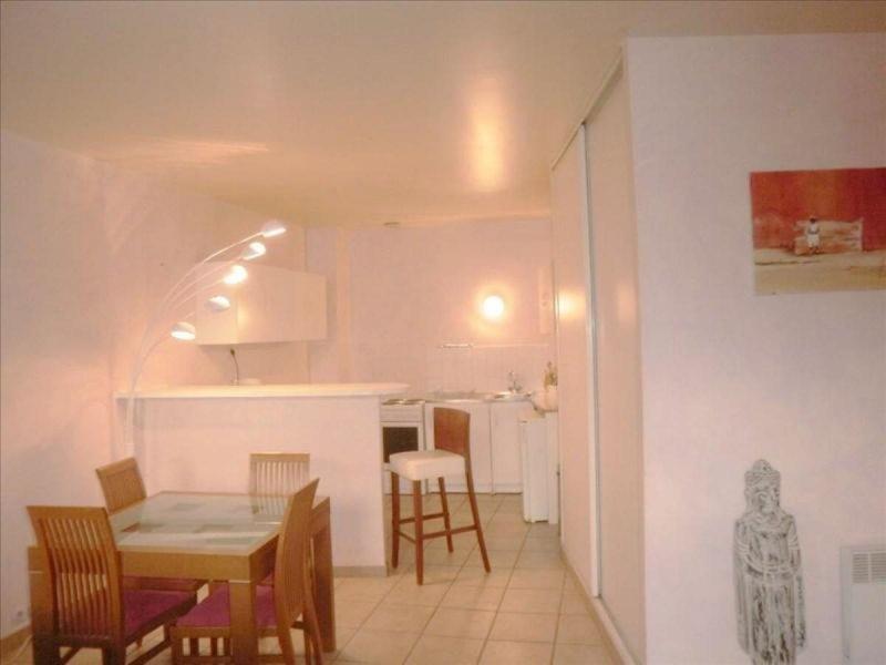 biens vendre appartement marseille 02 13002 prix 129 000 agence immobili re marseille. Black Bedroom Furniture Sets. Home Design Ideas